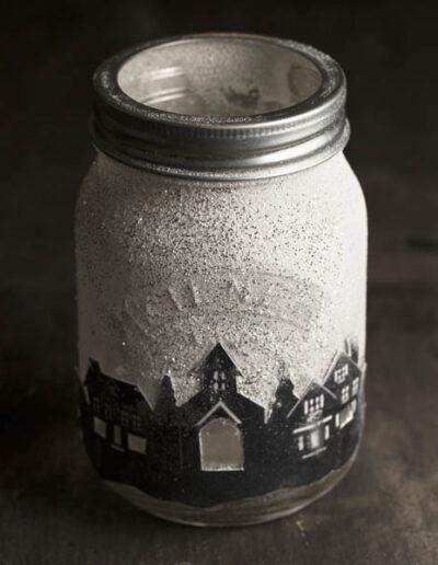 Malowany świecznik zpanoramą miasta Kilner DIY